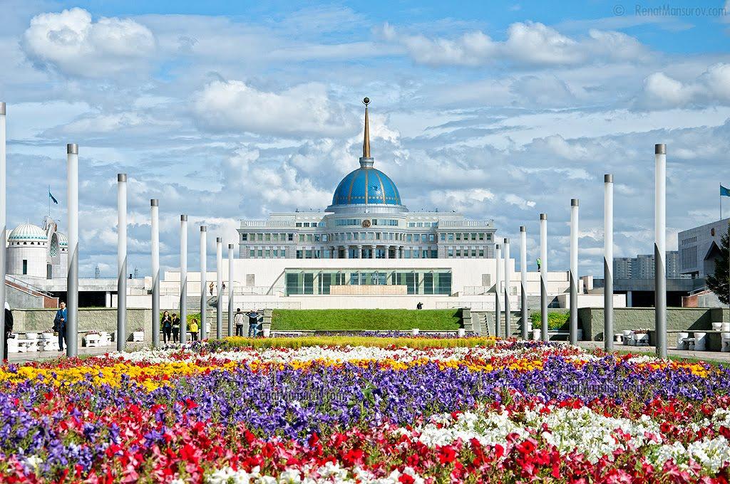纳扎尔巴耶夫总统签署通过一系列法案